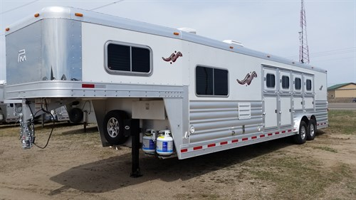 """2016 Plaintum: 4H slant SIDE load with BEAUTIFUL 10'6"""" LQ by OUTBACK CUSTOMS: 8' wide x 7'6"""" tall x 30' length"""