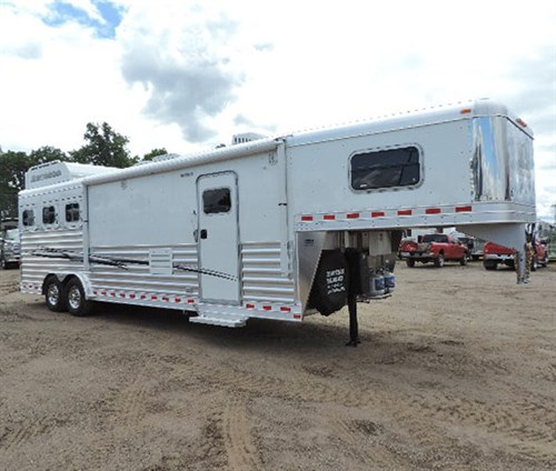 AD# 16482 2016 Elite 3H GN Dream Catcher 8'X26'6X7'6, w/13' LQ Knotty Adler Solid Cabinets, Fully Recessed 2 Burner Stove, 6cu. Refdg, Microwave, Sink, Sofa, Corner Chair, 2 TV's, AM-FM Radio w/Interior & Exterior Speakers, Ducted A/C & Furnace, Porcelain Stool, Vanity, Angel Shower, Full Length Mirror