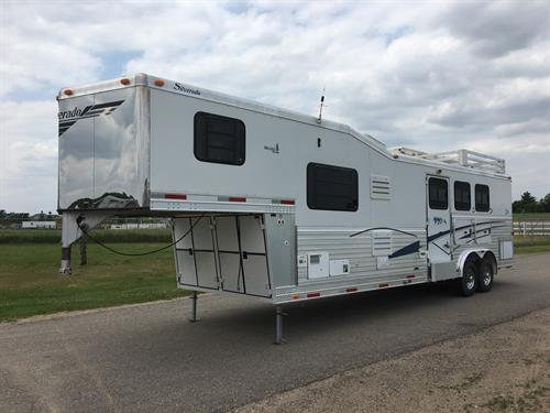 PRICE REDUCTION!!! 2003 SILVERADO CUSTOM BUILT GOOSENECK WITH LIVING QUARTERS