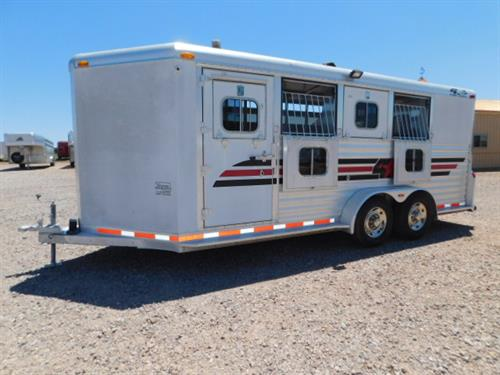 AD#1062 4 Star BP 7' X 18' X 7' 4 Horse DLX V-Nose W/1' To 5' Dress Room, 4 HD Drop Down Windows W/ HD Fold Down Bars, Escape Door, Full Width Rear Load Ramp, Permanent Rear Tack, 4 Tier Saddle Rack, Aluminum Bridle Hooks, Brush Tray, Padded Slam Latch Dividers, Slam Latch Stud Divider, 4 Roof Vents, Rubber Floor Mats, Rubber Lined Walls, 3 Load Lights, Blanket Bars, Aluminum Bridle Hooks, Double Tail Lights, New Tires, New Brakes, New Bearings