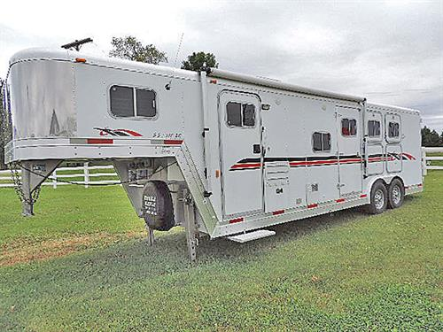 AD#15210    2002 Exiss  Event SS310  3 Horse w/ 10 Ft Trail Boss LQ,  GN 8'x24'x7'   Solid Oak, Dinette-Sleeper, 6 CU Refrig, 2-Burner Stove, Microwv, AC, Ducted Furnace AM-FM-CD Player w/Interior & Exterior Speakers, Pocket Door, Dbl Hanging Closet, Linen Closet, Shower, Separate Stool, Walk-thru Door, Dual Elec. Jacks, Awning, Escape Door, 2 Mangers w/ 2 Manger Doors, Stud Divider, Collaps. Rear Tack w/ 3 Tier Saddle Rack, Bridle Rack, Brush Tray, Load Light