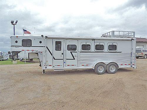 Ad#03182  2000 Cherokee Invasion  4H GN 7'x20'x7'  Weekender, 2 Burner Stove, Refr, AM/FM/CD Player, Furnace, Hot Water Heater, Sep. Bathroom w/ Stool,  Awning, Walk-thru door, Escape Door, Drop-dn  Feed Doors w/Fold-dn Bars, Full Stud Divider, Top & Bottom Padded Dividers, Roof Vents, Collap. Rear Tack w/ 3 Saddle Racks, Blanket Bar, Bridle Hooks, Hay Rack, Brush Tray, Load Lights, Trailer is Very Good Condition!   Sale Price $16,500.00