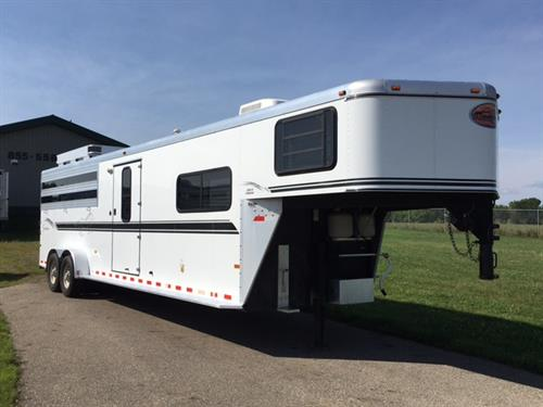 2004 Sundowner Stock Combo with Living Quarters