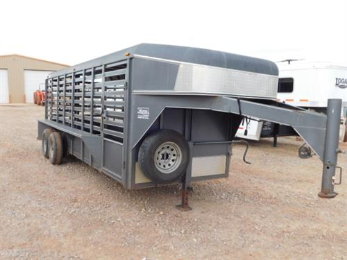 "AD#9498 2008 Ranch King GN 6' X 20' X 6'6"" Hard Top Stock, Bullet Nose, Butterfly Rear Gates, 1 Center Gate, Rubber Mats, Escape Door, Drop Down Calf Gate, 235/80 R16 10Ply, 2-5,200 Lb Axles. Trailer Has Been Serviced & Ready To Go! Sale Price $5,700"