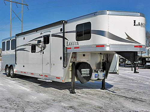 "Ad#1428A  2016 Lakota Charger 3H GN 8'x25'x7'6"" Tall C8313 All Alum. w/13' Oak LQ 6' Slide, Sofa & Sleep, Rear Kit, 32"" TV-DVD, CD-AM/FM, Int & Ext Spkrs, 6cu. Ref, Rec Brnr Stv. Mwve, Dbl Snk, Lg Clst w/Drwrs, Neo-Angl Shwr w/Gls Dr, Porc. Stl, Van & Snk, Dual Hyd Jcks, Awn, Sky Lite, Rain Fan, Esc Dr w/HD Feed Dr & HD Fold-Dn Bar, 3 Drp-Dn Wind Rump Wall, Stud Divide, Rear Tack, Step at Esc Dr, Duct A/C, 4 Ld Lites, Lined & Insul Rf & Sidewlls Hrse Area, Mngers. Like New! Price $46,500.00"
