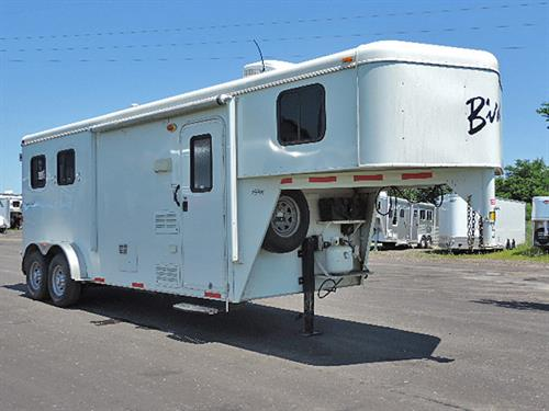 #4048  2014  Bison  2H GN 7' x 18'x7.5'  w/8ft LQ, Sofa-Sleeper, 2-Burner Stove, 3 Cu Refrigerator, Microwave, A/C, Ducted Furnace, Shower w/Glass Door, Separate Stool, Escape Door, Drop-Down Feed Door w/ Fold-Down Bars, Padded Slam-Latch Divider w/Stud Panel, Roof Vents, Collapsible Rear Tack, 3-Post Saddle Rack, Load Light.  VERY CLEAN TRAILER w/ very little use!!  Financing & Delivery Available. Sale Price $19,900.00