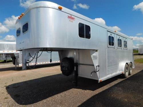 "AD#207 1992 Sooner GN 7'6"" X 16' X 7' 3 Horse, 2' To 6' Dress Room, 3 Tier Removable/Movable Saddle Rack, Bridle Hooks, Blanket Bar, 3 Drop Down Windows, 2 Dividers, Lined & Insulated Walls, Floor Mats. Trailer Is In Good Condition! Trailer Has Been Fully Serviced & Ready To Go! Sale Price $6,900"